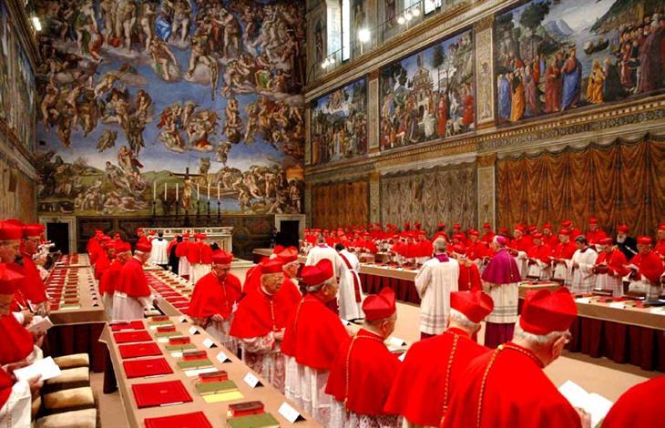 Un conclave all'interno della Cappella Sistina