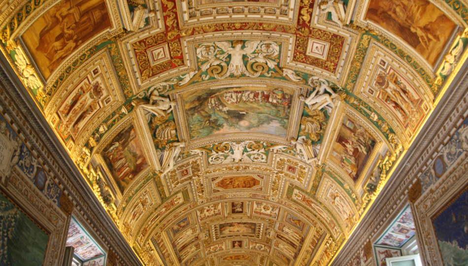 Interno dei Musei Vaticani a Roma